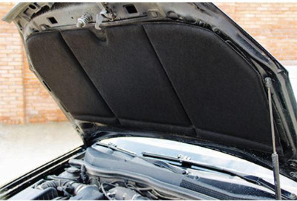 Материалы для нанесения на капот автомобиля